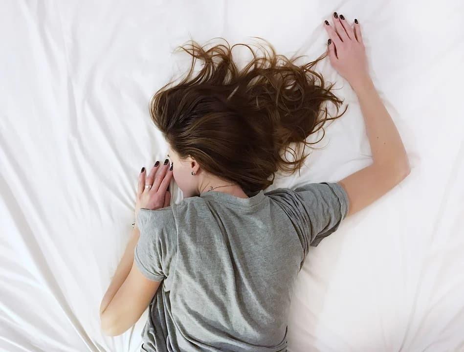 5 เทคนิค ที่จะทำให้คุณหลับง่ายภายใน 5 นาที ข่าวสาร ความรู้ สุขภาพ ครอบครัว กีฬา ออกกำลังกาย 5 เทคนิค หลับง่าย