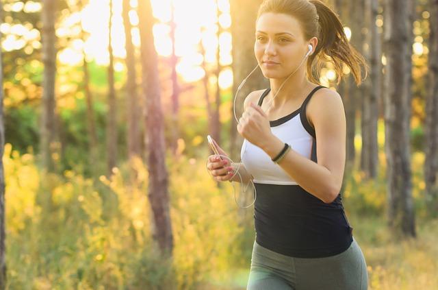 คืนความสุขให้ตัวเอง กับ 5 วิธีคลายเครียดช่วงโควิด 19 ข่าวสาร ความรู้ สุขภาพ ครอบครัว กีฬา ออกกำลังกาย วิธีคลายเครียด