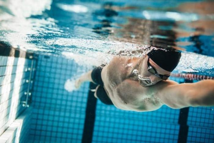 การออกกำลังกายด้วยการว่ายน้ำ ข่าวสาร ความรู้ สุขภาพ ครอบครัว กีฬา ออกกำลังกาย ประโยชน์การว่ายน้ำ