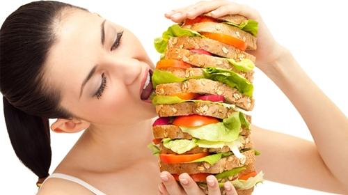 จะต้องทำอย่างไร? เมื่อคุณนั้นมีพฤติกรรมการกินมากเกินไป ข่าวสาร ความรู้ สุขภาพ ครอบครัว กีฬา ออกกำลังกาย การกินมากเกินไป