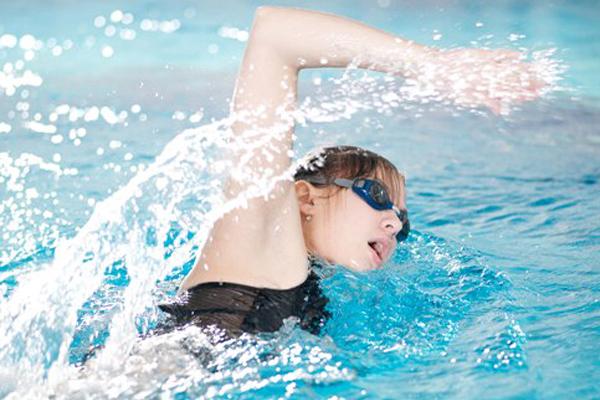 ขยับร่างกาย ลดน้ำหนัก ด้วยกีฬาที่ชื่นชอบ ข่าวสาร ความรู้ สุขภาพ ครอบครัว กีฬา ออกกำลังกาย เทคนิคออกกำลังกายด้วยกีฬาชอบ